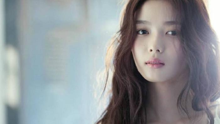dien vien kim yoo jung