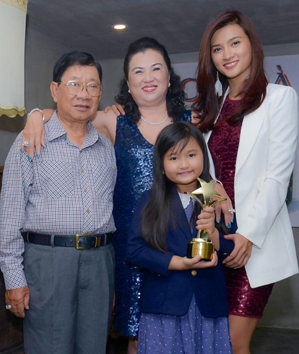 kim tuyến và gia đình