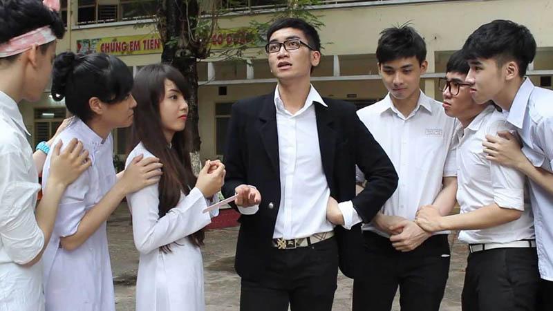 BB Trần nổi lên cùng với nhóm hài của mình