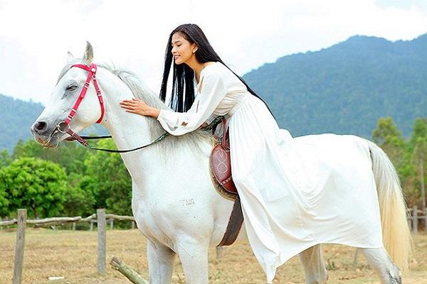 Mơ thấy cưỡi ngựa ứng với con số đề may mắn nào